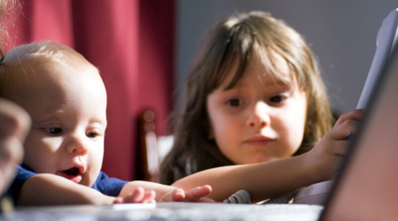 work at home mum, 10 ways mums can balance work and family, time management strategies for mums