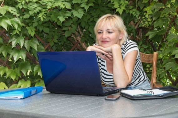 diy outdoor office